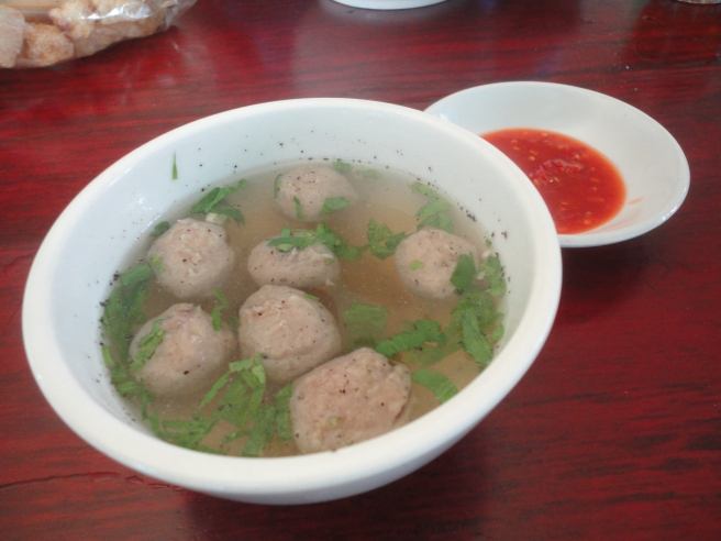 Beef ball soup to serve with noodle